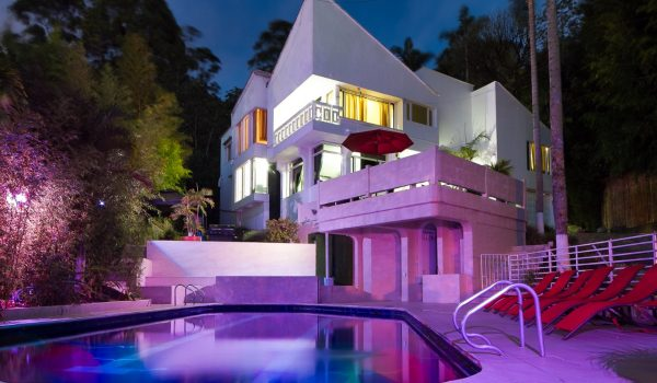Vacation-Rental-Medellin-bachelor-party-Airbnb-03
