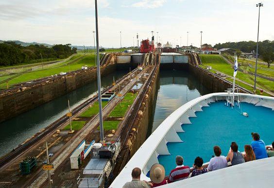 Bachelor-Party-Panama-Canal-Tour