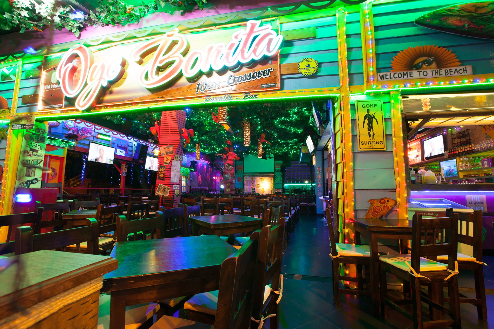 Parque-Lleras-Nightlife-Tour-Medellin-Bachelor-Party-Ideas
