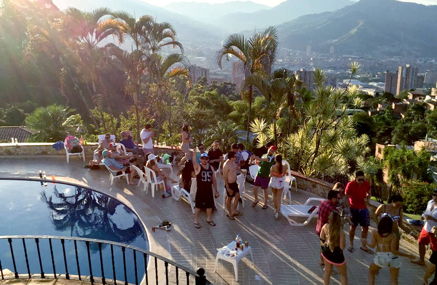 Pool-Party-Medellin-Bachelor-Party