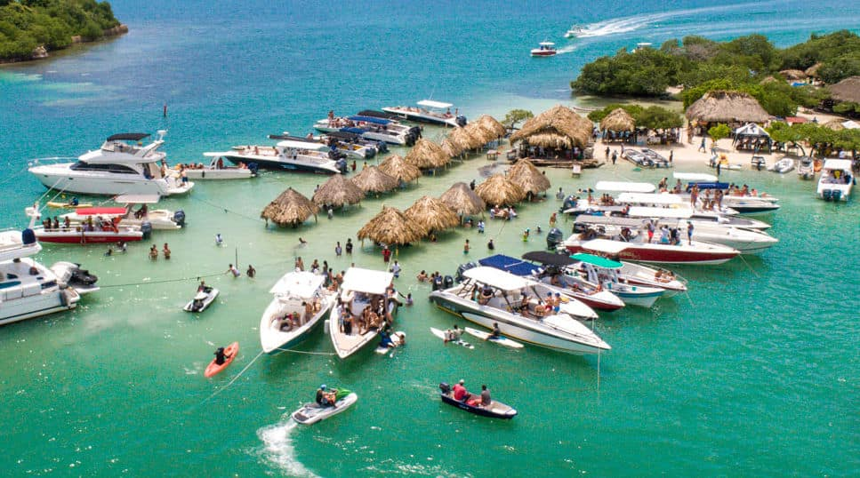 bachelor-party-cartagena-colombia-boat-rentals-min.jpg