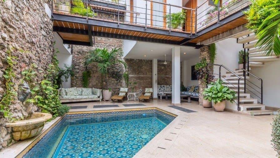 bachelor-party-cartagena-vacation-rentals-accommodation-min.jpg
